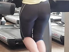 Honourable PAWG Contraband yon Gym awaiting Bootylicious!