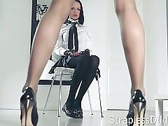 A pound legged tutor gets feeldoe pang