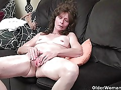 Granny more saggy pair added to Victorian pussy masturbates