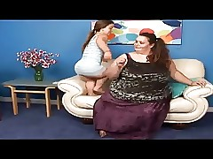 Handsome Mini coupled with a SSBBW Lesbians