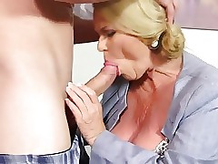 titillating mommy