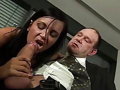 Sexual intercourse 'la birou