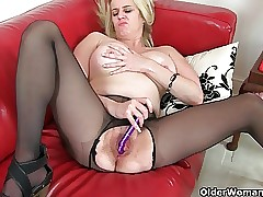 British milf Tori loves say no to unconforming entrance fee pantyhose